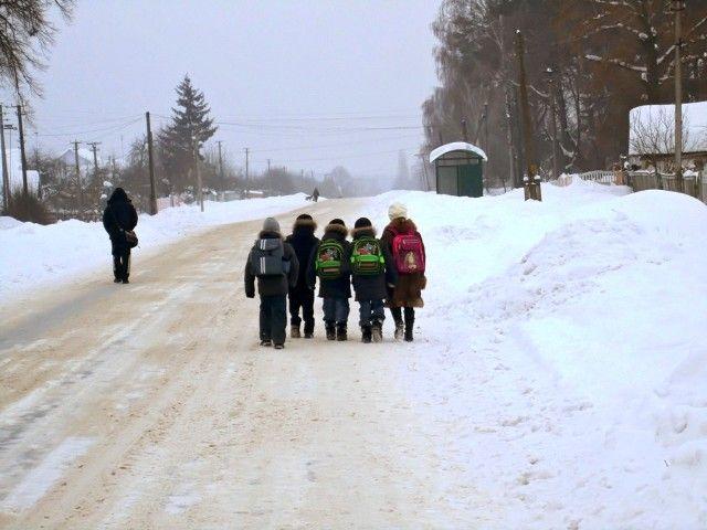 МОН рекомендує тимчасово закрити школи