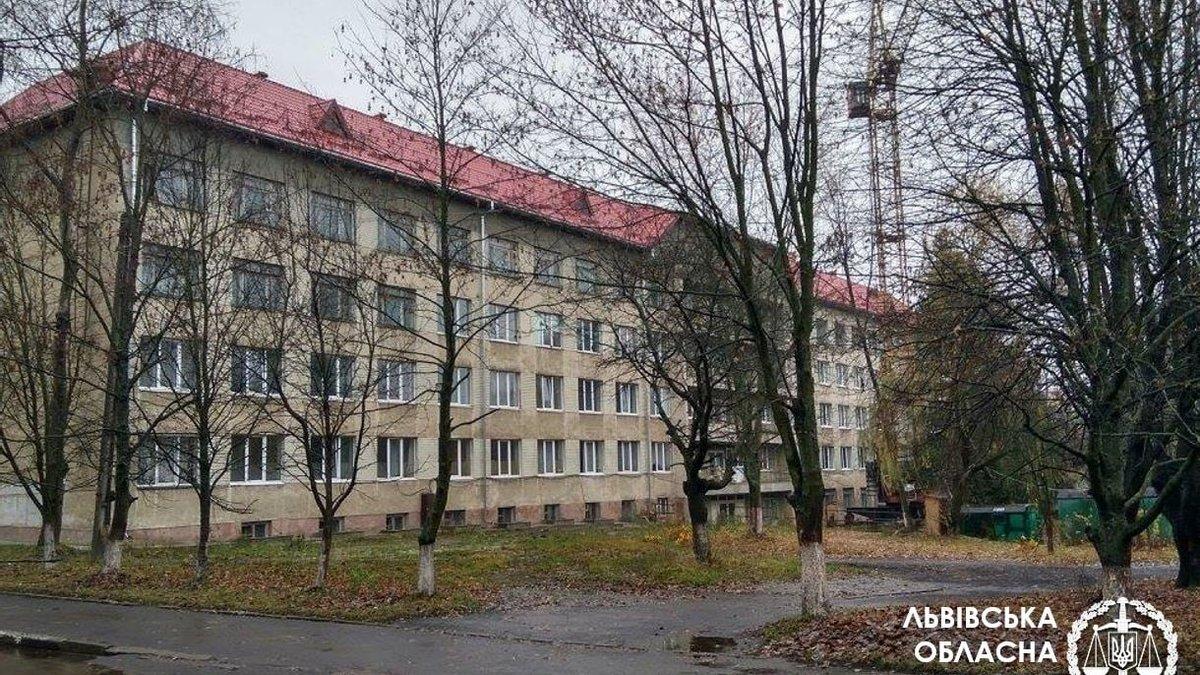 На Львівщині померла 17-річна вагітна дівчина: 4 лікарям повідомили про підозру – фото