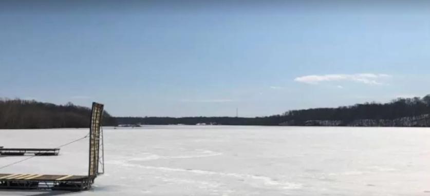 Дівчинка загинула, рятуючи молодшого брата з замерзлого озера