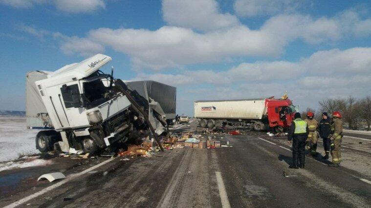 В Одеській області внаслідок зіткнення фур загинули обидва водії