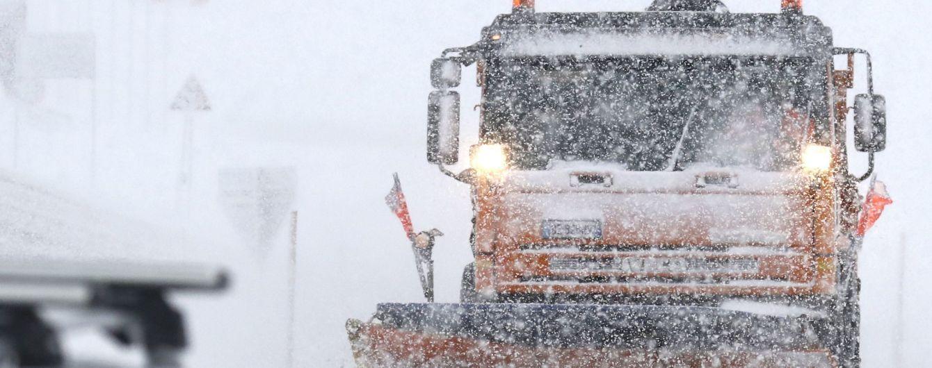 Попередив про спецтехніку: у Чернігівській області чоловік заявив про різанину, щоби йому почистили сніг