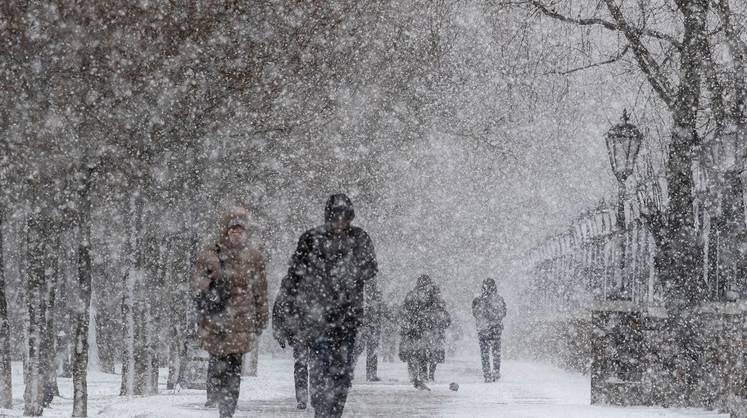 Снігопади і крижані дощі атакують Україну з новою силою: де буде найгірше 10 лютого