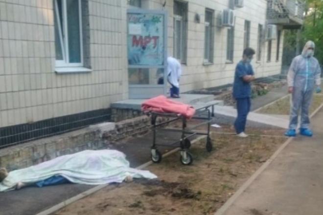 У Києві жінка вистрибнула з вікна лікарні – смерть була миттєвою