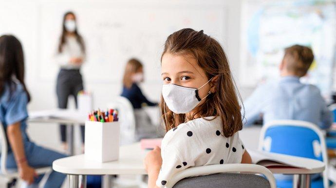 Коронавірус можуть принести діти: через що школярі заражають своїх батьків