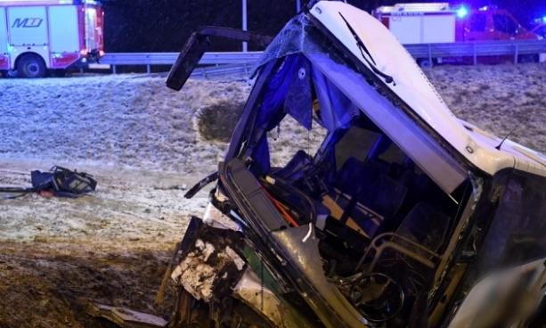 Смертельна ДТП з українцями у Польщі: водіями автобуса були батько і син