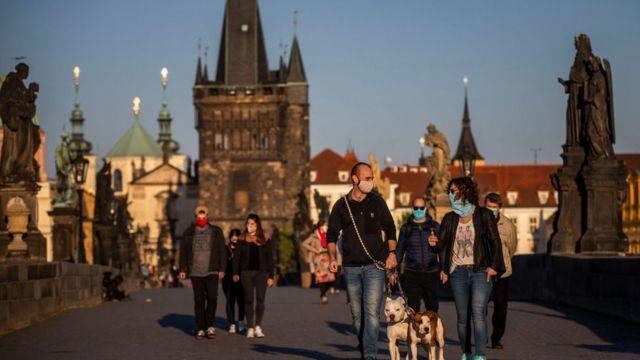 Бабіш розповів коли в Чехії послаблять карантин