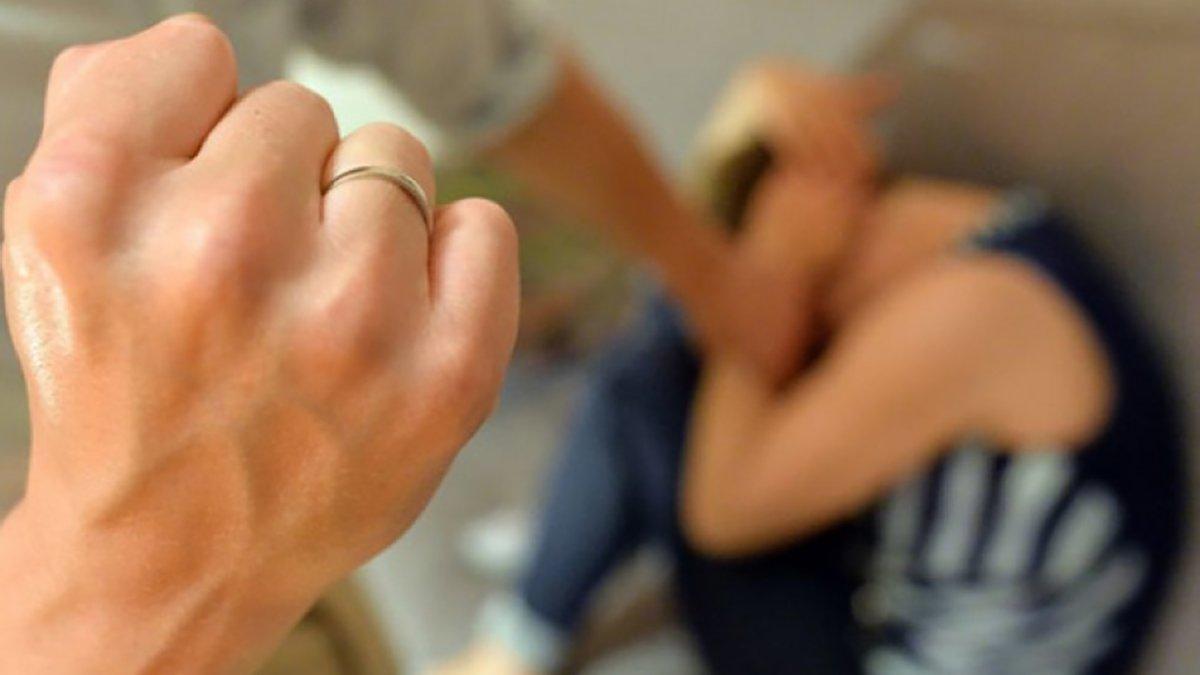 У Чернігові помічник вихователя побив 17-річного ліцеїста: хлопець втратив селезінку