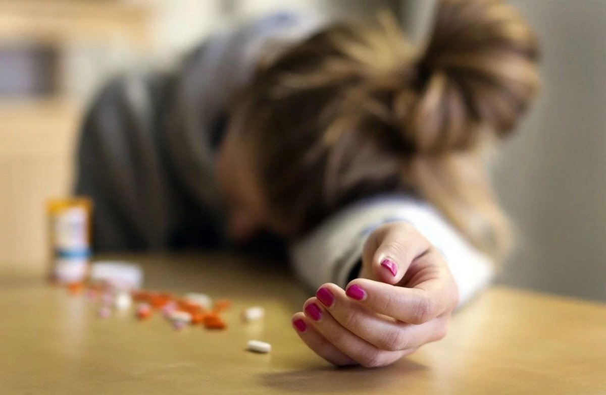 У Калуші дві учениці спробували отруїтися парацетамолом