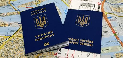 Українці не зможуть повноцінно їздити за кордон до завершення вакцинації, – Кулеба