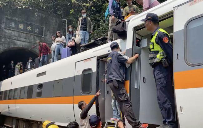 В результаті аварії поїзда на Тайвані загинули вже понад 50 осіб