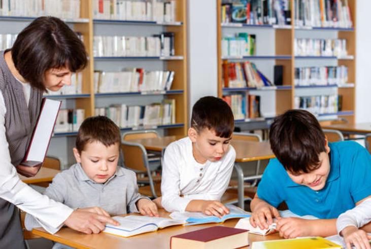 Читання, письмо і математику варто вивчати у школі, а не під час підготовки до першого класу, – педагогиня