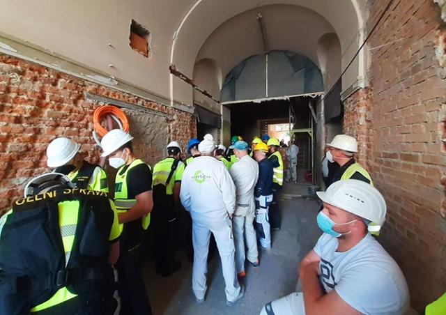 У Празі на будові затримали 36 заробітчан: декільком працівникам вдалося втекти