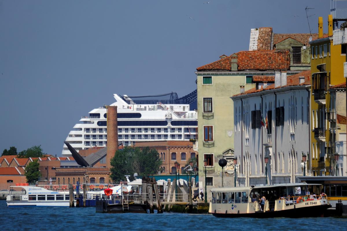 Жителі Венеції протестували проти повернення круїзних лайнерів – ЗМІ