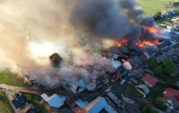 У Польщі в масштабній пожежі згоріли 44 будинки