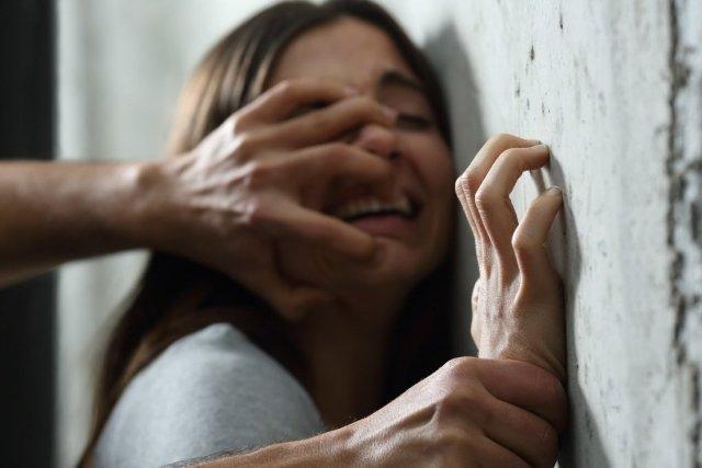 На Дніпропетровщині вчитель зґвалтував дівчину на випускному вечорі