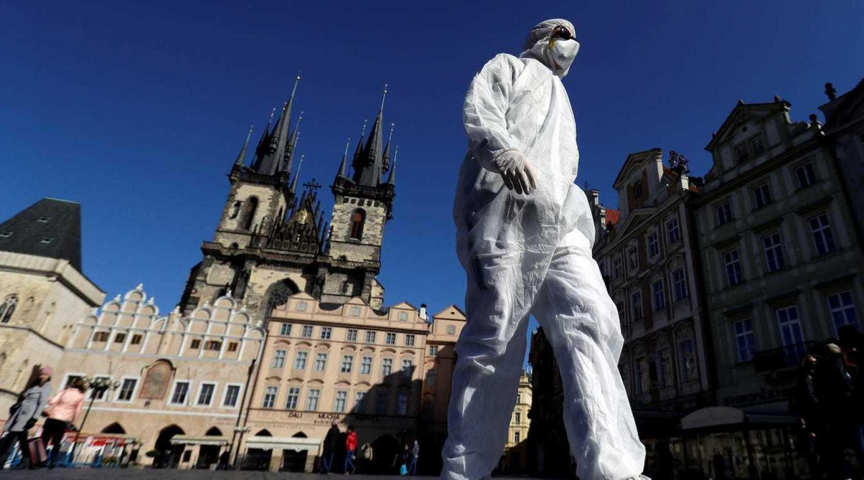 Уряд Чехії змінив дату чергового пом'якшення карантинних заходів: подробиці