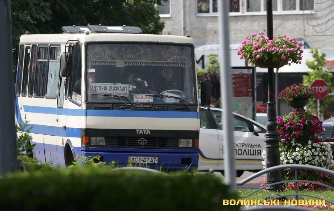Вагітна пасажирка із захопленого у Луцьку автобуса втратила дитину після теракту