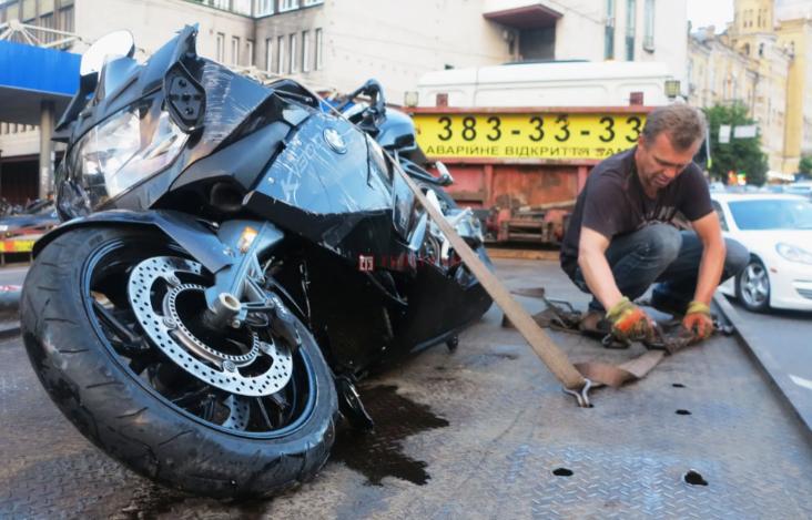 У Києві в ДТП загинув відомий тренер із бодібілдингу. Фото