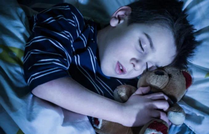 Сказав, що нічого не болить і заснув: на Харківщині через апендицит помер хлопчик