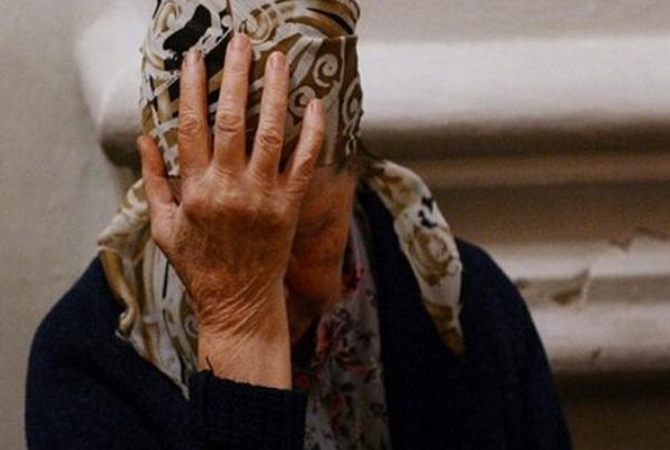 Виколола око ножицями: в Одесі 17-річна грабіжниця проникла в оселю пенсіонерки (ВІДЕО)