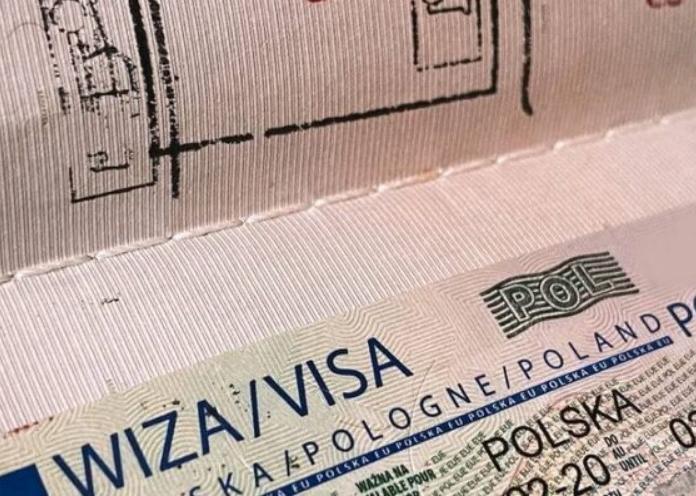 Чого лишень не зробиш заради дешевої робочої сили: поляки суттєво спрощують відкриття віз українцям
