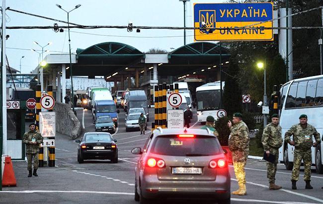 """Вакцинованих Sputnik V не пускають в Україну – """"завертають"""" на кордоні"""