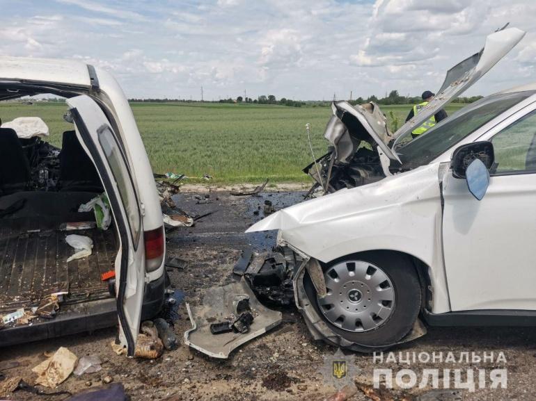 Біля Рівного у моторошній ДТП загинули 2 людини