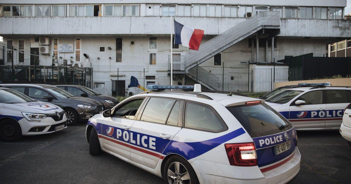 У Франції психічно хворий сатаніст обезголовив дитину та намагався з'їсти частини тіла вбитого