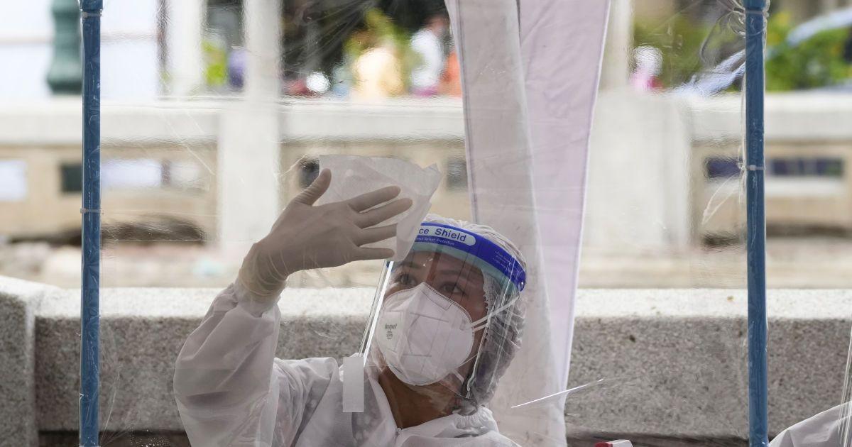 «Дельта» може заполонити Україну вже за кілька тижнів: епідеміологиня попередила про спалах коронавірусу