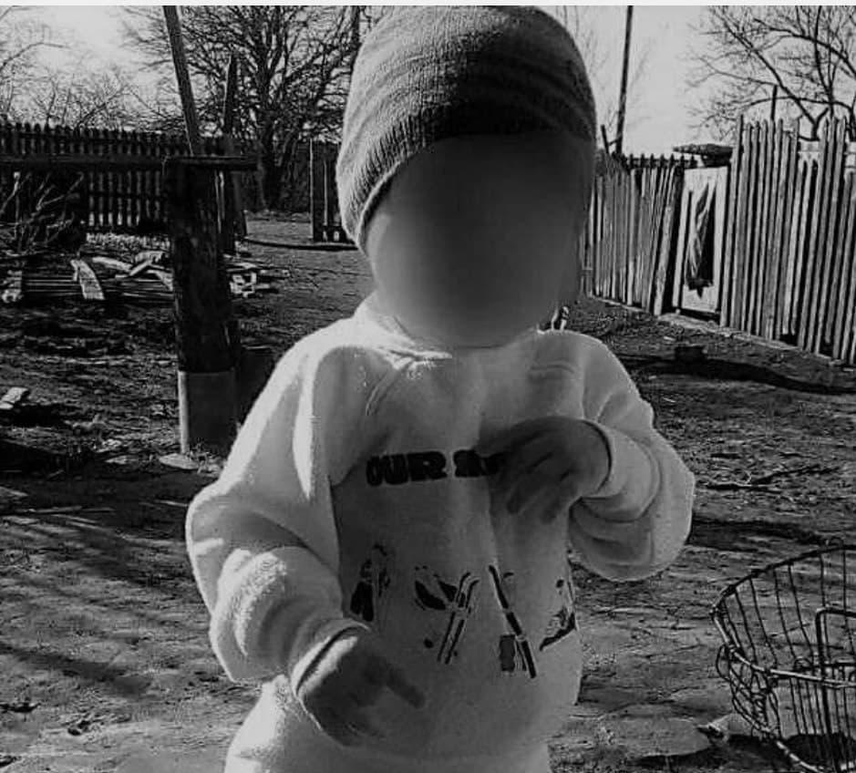 У Дніпрі помер 2-річний хлопчик, якому вітчим перерізав горло