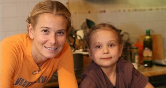 Вісім років коми: річниця з дня аварії Маші Кончаловської — як зараз почувається дочка Юлії Висоцької